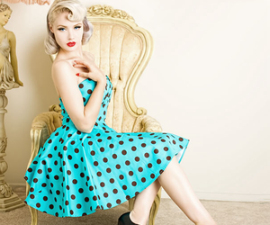 pin-up and vintage image
