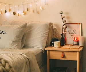 aesthetic, autumn, and bed image