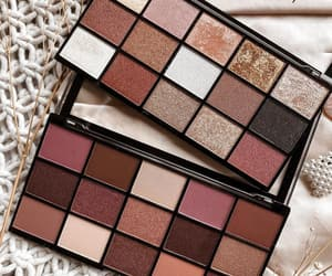 beauty, girl, and eyeshadows image