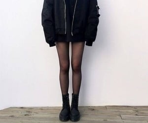 black, outfit, and skinny image