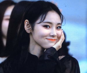 black hair, icon, and jinsoul image