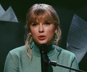 snl and Taylor Swift image