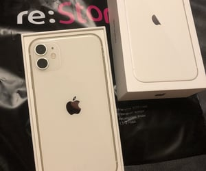 iphone and iphone11 image