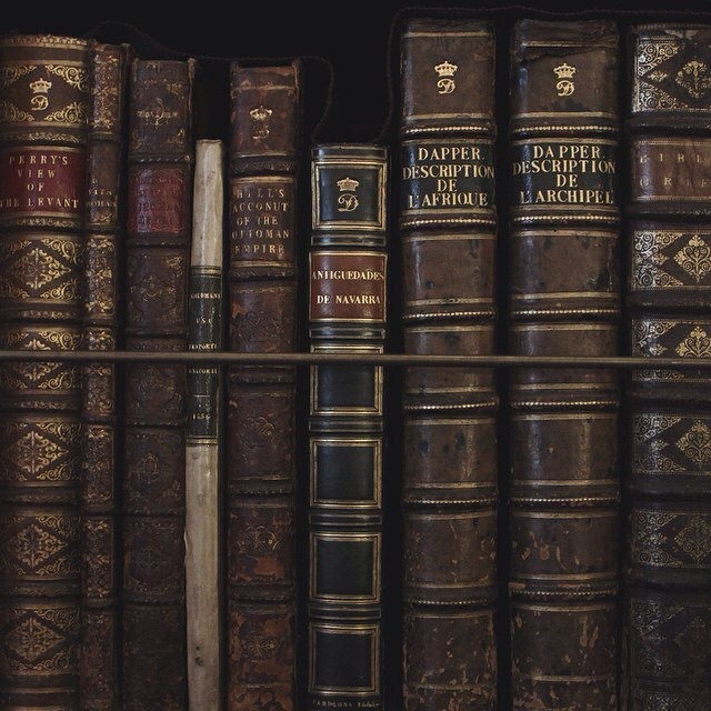 31 Images About Dark Academia On We Heart It See More About Dark Academia Aesthetic And Books