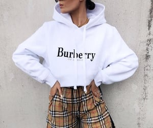 blogger, burberry sweat, and Burberry image