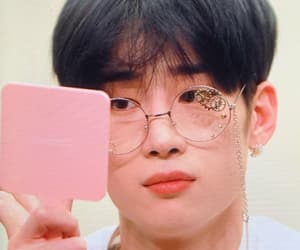 x1, seungwoo, and kpop image
