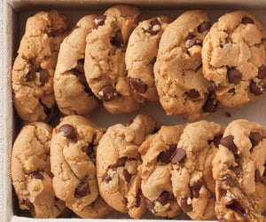 chocolate chips, Cookies, and desserts image