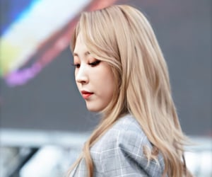 aesthetic, moonbyul, and fashion image