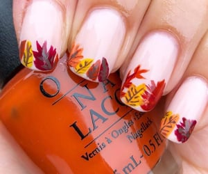 nails and autumn image