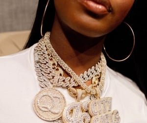 chains, hood, and jt image