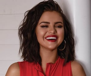 selena gomez, red, and celebrity image