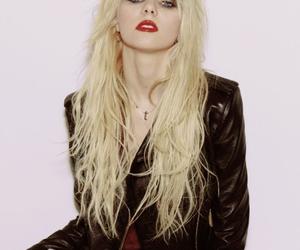 celebrity, poser, and Taylor Momsen image