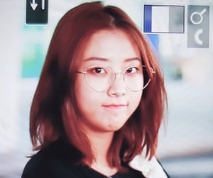 girls, seungyeon, and clc image