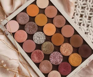 autumn, eyeshadow, and makeup image