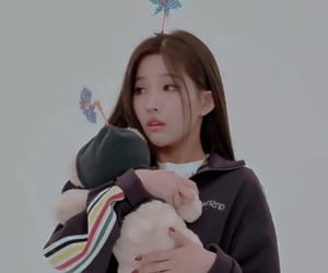 minnie, psd, and g idle image