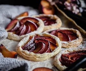 autumn, pie, and peach image