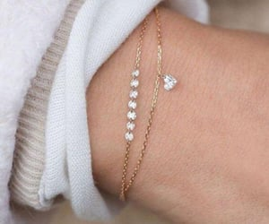 accessory, bracelet, and heart shaped image