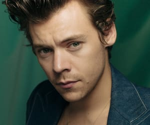 Harry Styles, one direction, and lights up image