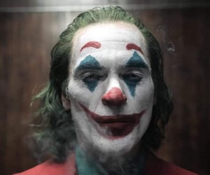 joker, joaquin phoenix, and DC image