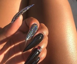 nails, sparkle, and nail inspo image