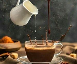 فنجان قهوه, ﻗﻬﻮﻩ, and حليب وقهوه image