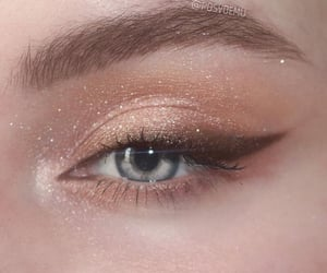 aesthetic, eye, and glitter image
