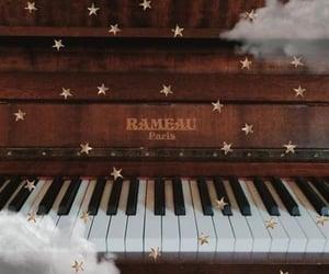 piano and klavier image