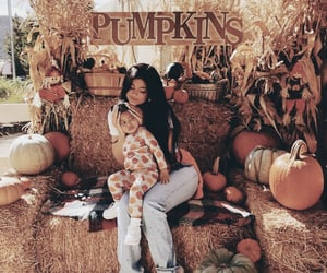kylie jenner, fashion, and pumpkin image