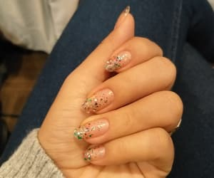 nails, natural, and sencillo image
