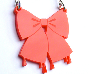 bow, chain, and necklace image
