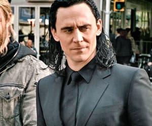 gif and tom hiddleston image