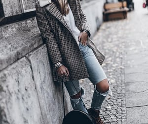 blogger, fall fashion, and levis image