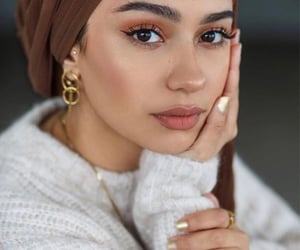 beauty, brown, and makeup image