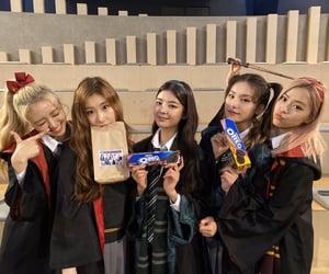 lia, yuna, and chaeryeong image