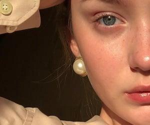 bronze, fashion beauty pretty, and brunette image
