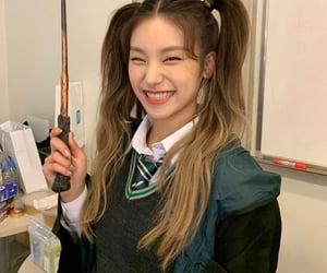 kpop, yeji, and itzy image