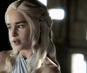 got, daenerys, and the iron throne image