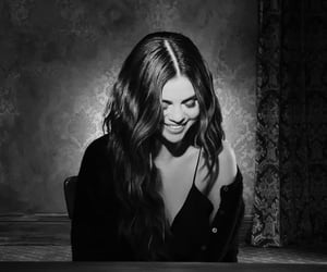 article, selena gomez, and lose you to love me image