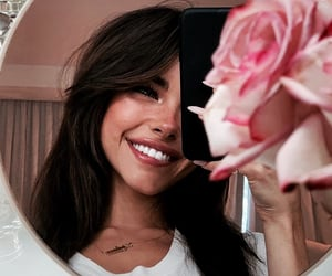 madison beer, girl, and flowers image