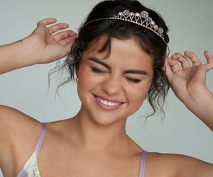 selena gomez, Queen, and beauty image