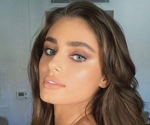fashion and taylor marie hill image