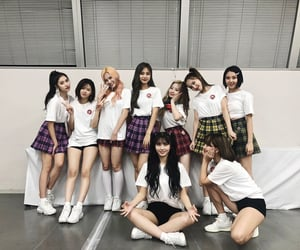 gg, group, and twice image