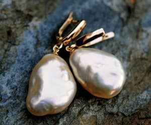 jewelry, pearl earrings, and baroque pearls image