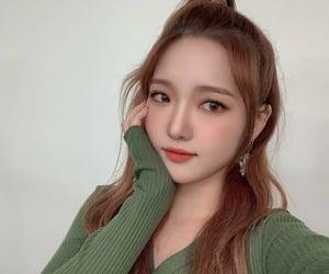 fromis_9, jisun, and girl image