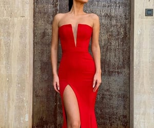 beauty, dresses, and evening dresses image