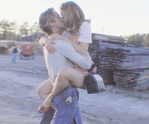 kiss and the notebook image
