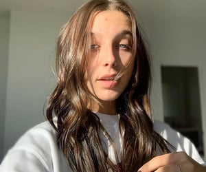 youtube, youtuber, and emma chamberlain image