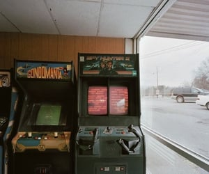 aesthetic, 80s, and arcade image