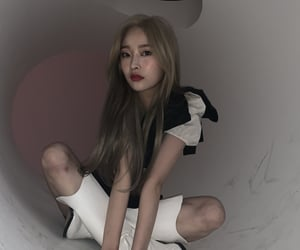 eunwoo, hinapia, and kpop image