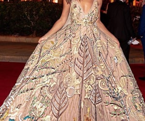 Couture, Queen, and eveningdress image